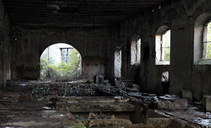 Incidente alle cartiere abbandonate, uno dei tanti edifici abbandonati di quella zona