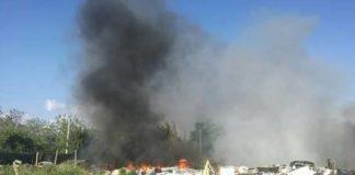 Discarica in fiamme all'Albuccione