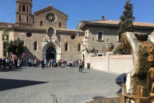 Record di turisti a Tivoli, la coda a Villa d'Este