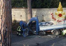 Grave incidente sulla Palombarese, vigili del fuoco in azione