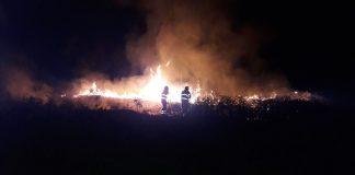 Incendio nella notte a Pomata