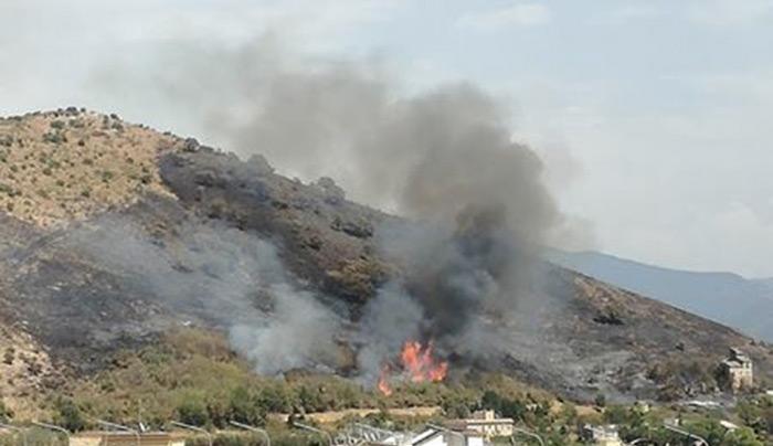 Nuovo incendio a Tivoli, spento ed in corso la bonifica