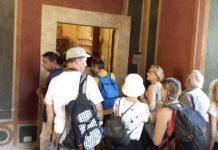 """Villa d'Este aperta il lunedì, la """"prima"""" coda di turisti all'ingresso"""