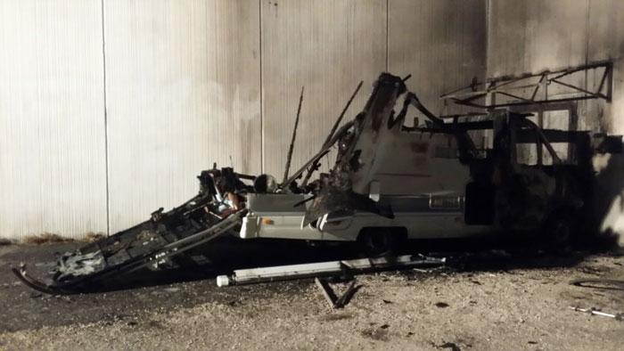 Camper in fiamme a Villa Adriana