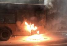 Autobus a fuoco sulla Tiburtina