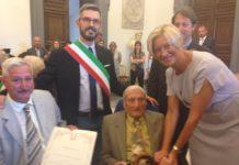 Gino Ventura con il figlio Angelo, il sindaco De Simone e la ministra Pinotti