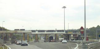 Autostrada A24, uno dei caselli della Roma - L'Aquila