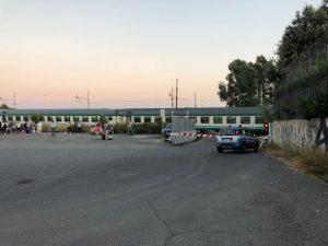 Polizia ferroviaria sul posto dopo il tragico investimento di mercoledì sera