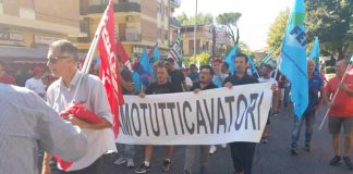 La protesta dei lavoratori delle cave di Guidonia Montecelio