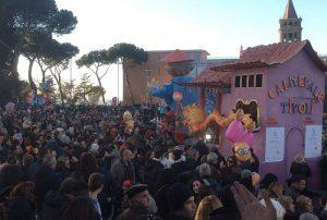 La festa in piazza Garibaldi per il Carnevale di Tivoli