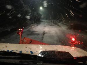 Neve a Tivoli, i volontari dell'Avrst in azione con lo spazza neve