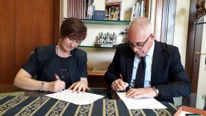 Adriana Calì e Michel Barbet, la firma sulla delega al personale del Comune di Guidonia Montecelio