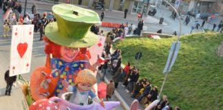 Sfilata del Carnevale di Tivoli in piazza Garibaldi